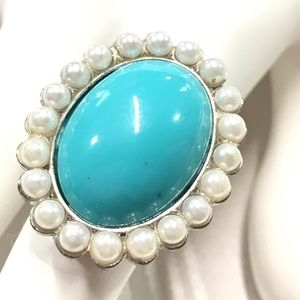 🔶10pcs for $15🔶 Guess cocktail ring ra16